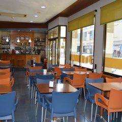Отель Ciutadella Испания, Курорт Росес - 1 отзыв об отеле, цены и фото номеров - забронировать отель Ciutadella онлайн гостиничный бар