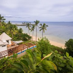 Отель First Landing Beach Resort & Villas пляж