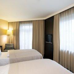 Отель NH Düsseldorf Königsallee 4* Улучшенный номер с различными типами кроватей фото 2