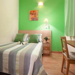 Отель Hostal Felipe 2 Стандартный номер с двуспальной кроватью (общая ванная комната) фото 2