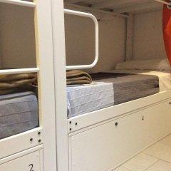 Отель Hostelscat сейф в номере