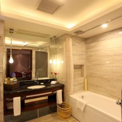 Xingding'an Hotel in Xining, China from 40$, photos, reviews - zenhotels.com bathroom photo 2