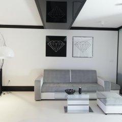 Апартаменты Diamonds Apartment комната для гостей фото 3