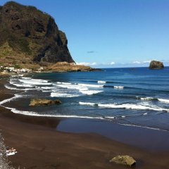 Отель Madeira Surf Camp пляж