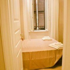 Отель The Wesley Rome 3* Стандартный номер с двуспальной кроватью (общая ванная комната) фото 4