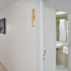 Hotel Gabarda & Gil 2* Улучшенный номер с различными типами кроватей фото 7