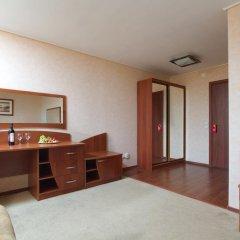 Гостиница Репинская 3* Номер Комфорт с двуспальной кроватью