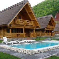 Гостиница Червона Рута Украина, Хуст - отзывы, цены и фото номеров - забронировать гостиницу Червона Рута онлайн бассейн