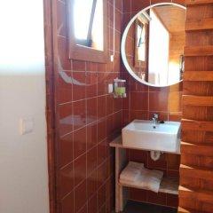 Отель PenichePraia - Bungalows, Campers & Spa ванная