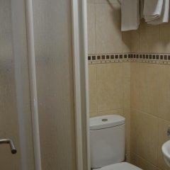 Отель Ciutadella Испания, Курорт Росес - 1 отзыв об отеле, цены и фото номеров - забронировать отель Ciutadella онлайн ванная