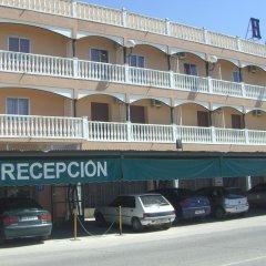 Hotel Sur Вильяррубиа-де-Сантиаго парковка