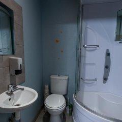 The Monk's Bunk Party Hostel ванная