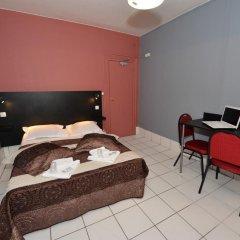 Hotel De La Poste Стандартный номер с двуспальной кроватью (общая ванная комната) фото 6