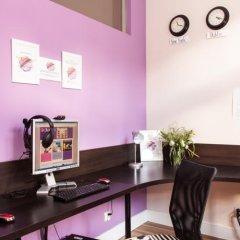 Отель Blooms Inn & Apartments Польша, Познань - отзывы, цены и фото номеров - забронировать отель Blooms Inn & Apartments онлайн интерьер отеля фото 3