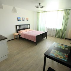 Гостиница ApartHotel Lazurnyy в Новосибирске 1 отзыв об отеле, цены и фото номеров - забронировать гостиницу ApartHotel Lazurnyy онлайн Новосибирск комната для гостей фото 2