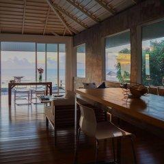 Отель Naroua Villas Таиланд, Остров Тау - отзывы, цены и фото номеров - забронировать отель Naroua Villas онлайн гостиничный бар