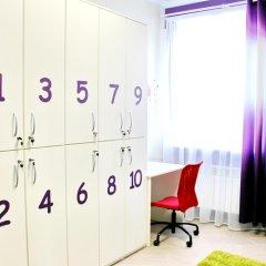 Хостел Friday Кровать в женском общем номере с двухъярусными кроватями фото 12