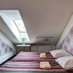 Хостел Крыша Стандартный номер двуспальная кровать фото 10