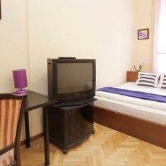 Отель City Rooms Стандартный номер с двуспальной кроватью (общая ванная комната) фото 18