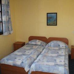 Отель Holiday Village Kedar Болгария, Долна баня - отзывы, цены и фото номеров - забронировать отель Holiday Village Kedar онлайн комната для гостей фото 4