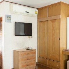 Отель The Aiyapura Bangkok 3* Улучшенный номер с различными типами кроватей фото 19