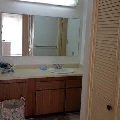 Отель Guam JAJA Guesthouse Тамунинг ванная
