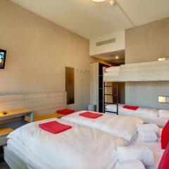 MEININGER Hotel Amsterdam City West 2* Стандартный номер с различными типами кроватей фото 6