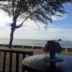 Отель Saladan Beach Resort 3* Бунгало с различными типами кроватей фото 11