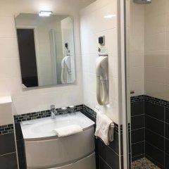 Отель Hôtel Paris Gambetta 3* Стандартный номер с двуспальной кроватью фото 3