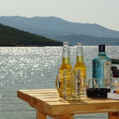 Отель Vila Reni & Risi Албания, Ксамил - отзывы, цены и фото номеров - забронировать отель Vila Reni & Risi онлайн пляж фото 2