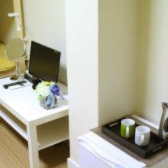 Отель Patio 59 Hongdae Guesthouse 2* Стандартный семейный номер с двуспальной кроватью фото 3