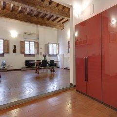 Отель Appartamenti Ponte Vecchio интерьер отеля