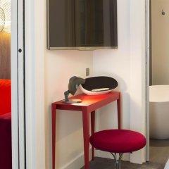 Отель Hôtel Dupond-Smith 5* Улучшенный номер с различными типами кроватей фото 8