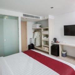 The Bloc Hotel 4* Улучшенный номер с двуспальной кроватью фото 3