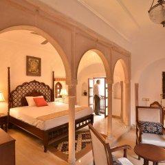 Отель WelcomHeritage Haveli Dharampura 5* Стандартный номер с различными типами кроватей фото 2