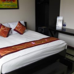 Отель Vietnam Backpacker Hostels - Downtown Стандартный номер с различными типами кроватей фото 6