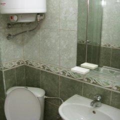 Отель Coral Болгария, Поморие - отзывы, цены и фото номеров - забронировать отель Coral онлайн ванная
