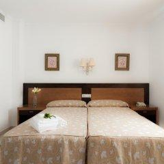 Отель Restaurante Blanco y Verde Испания, Кониль-де-ла-Фронтера - отзывы, цены и фото номеров - забронировать отель Restaurante Blanco y Verde онлайн комната для гостей