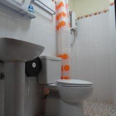 Отель Villa Somphong 2* Стандартный номер с двуспальной кроватью фото 5