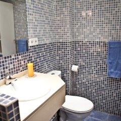 Отель Central & Basic Universitat Барселона ванная фото 2