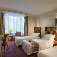 Отель Wharney Guang Dong Hong Kong 4* Улучшенный номер с различными типами кроватей фото 4