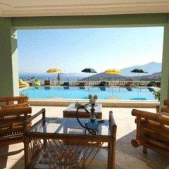 Отель Bella Monte Otel бассейн