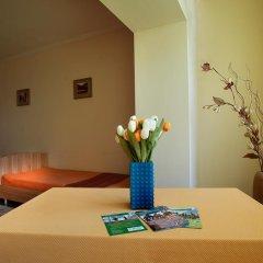 Отель Bed & Breakfast Bishkek 2* Кровать в мужском общем номере фото 9