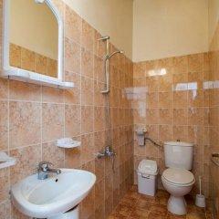 Отель Guest House The Eye Болгария, Банско - отзывы, цены и фото номеров - забронировать отель Guest House The Eye онлайн ванная фото 2