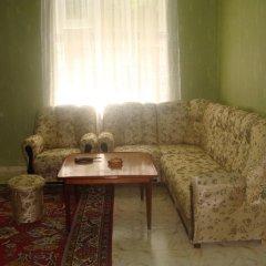 Отель Guest House Usanoghakan Армения, Дилижан - отзывы, цены и фото номеров - забронировать отель Guest House Usanoghakan онлайн комната для гостей фото 2