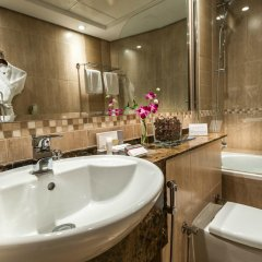 First Central Hotel Suites 4* Апартаменты Премиум с различными типами кроватей фото 8