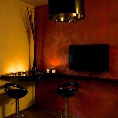 Отель PiotrApartments гостиничный бар