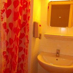 Nice Art Hotel - Hostel Стандартный номер с различными типами кроватей фото 4