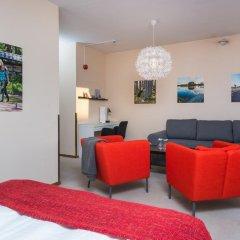 Отель Hotell Fridhemsgatan 3* Стандартный семейный номер с различными типами кроватей фото 2