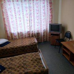Гостиница Искра 3* Стандартный номер с 2 отдельными кроватями